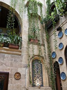 Sissi House mansion at the Armenian quarter in Jdeydeh - Aleppo, SYRIA Persian Architecture, Ancient Architecture, The Beautiful Country, Beautiful Places, Syria Before And After, Aleppo City, Courtyard House, Book Of Hours, Going Home