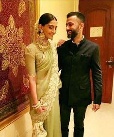 Is Sonam getting married in April Anil sends love to Anand Ahuja - International Business Times India Edition Sonam Kapoor Saree, Sonam Kapoor Wedding, Indian Dresses, Indian Outfits, Bollywood Couples, Bollywood Wedding, Bollywood Saree, Bollywood Actors, Bollywood Fashion