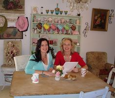 First pap pic when TKTN launched in 2007 .. at Kerry's kitchen table .. Appeared in Bayside Weekly.