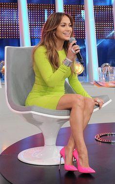 Jennifer Lopez's Sao Paolo Brazil Michael Kors Neon Yellow Crewneck Dress, Hermès Collier de Chien Silver Bracelet, and Pop Pink Casadei Patent Point-Toe Blade Pumps I like the colors! Jennifer Lopez, Miranda Kerr, Vestidos Neon, Look Fashion, Womens Fashion, Fashion Trends, Fashion Outfits, Hot Pink Pumps, Yellow Pumps