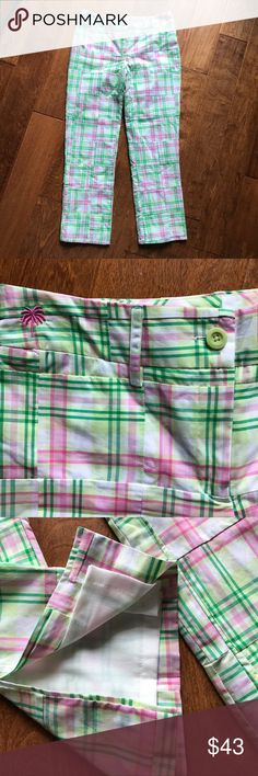 """Lilly Pulitzer Patchwork Pants Lilly Pulitzer Patchwork Pants Lined Slits on back of legs  One back pocket Small slit pocket on front  Belt loops White label Measured laying flat: Waist measures 15 1/2"""" Inseam measures 28"""" Rise 9"""" Great condition  Thanks for shopping my closet Lilly Pulitzer Pants"""