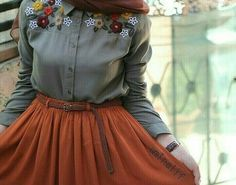 Find images and videos about girl, fashion and islam on We Heart It - the app to get lost in what you love. Abaya Fashion, Muslim Fashion, Modest Fashion, Skirt Fashion, Fashion Dresses, 90s Fashion, Hijab Style, Hijab Chic, Casual Hijab Outfit