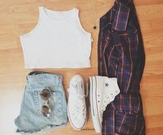 crop top + flannel + light washed high-wasted shorts + white converse