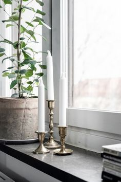 Appear this important pic and find out the presented facts and techniques on Dyi Kitchen Ideas Window Ledge Decor, Kitchen Window Sill, Zen Home Decor, Living Room Decor, Bedroom Decor, Kitchen Plants, Nordic Interior, Interior Design, Bedroom Plants