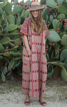 The Best Kaftans All The It-Girls Are Wearing Right Now