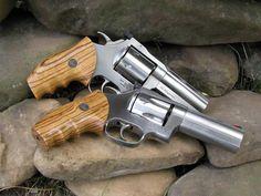 Dan Wesson .44 Magnum Weapons Guns, Guns And Ammo, 2 Guns, 357 Magnum, Shooting Guns, Firearms, Hand Guns, Survival, War