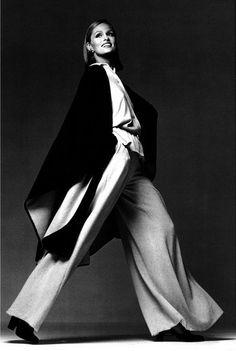 Lauren Hutton, photo by Francesco Scavullo, 1975