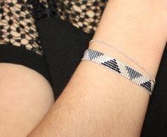 http://www.alittlemarket.com/bracelet/fr_bracelet_tisse_perles_miyuki_argent_gris_noir_-12474355.html