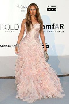 Pour toutes vos grandes occasions, faites comme J-Lo, choisissez bien votre robe !
