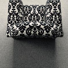 Exotic fabric design. Chic, sofa Fabric Design, Continental Wallet, Exotic, Sofa, Club, Fashion, Moda, Settee, Fashion Styles