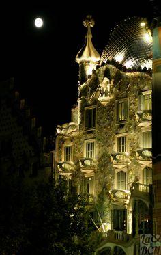 Casa Batlló, Barcelona -1904-1906. Antoni Gaudi. Catalonia