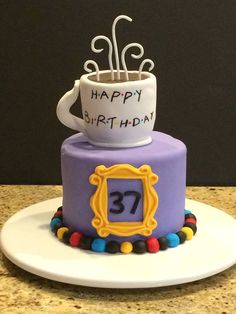 30+AWESOME+'FRIENDS+TV+SHOW'+THEMED+BIRTHDAY+CAKES!