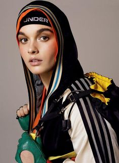 From the natural lip to full brows, how to get the best sporty makeup look for fall