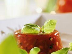 Tomatengelee ist ein Rezept mit frischen Zutaten aus der Kategorie Fruchtgemüse. Probieren Sie dieses und weitere Rezepte von EAT SMARTER!