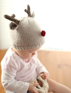 Tiny Reindeer Hat Knitting Pattern | AllFreeKnitting.com