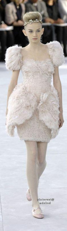 #2locos www.2locos.com Chanel Spring 2008 Couture