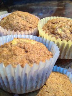 Sugar-Free Whole Wheat Banana Muffins bread cake healthy muffins pudding recipes chocolat plantain recette recette Sugar Free Muffins, Sugar Free Snacks, Banana Bread Recipes, Muffin Recipes, Rice Recipes, Whole Wheat Muffins, Novelty Birthday Cakes, Unsweetened Applesauce, Baking Cupcakes