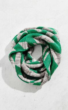 Herringbone from Snoods: Cozy Neckwear for Fall Snood Scarf, 2015 Trends, Herringbone Pattern, Urban Outfitters, Cozy, Stamp, Fall, Objects, Autumn