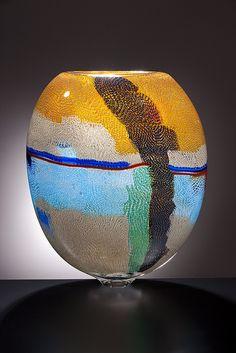 Lino Tagliapietra - Schantz Galleries by sofaexpo. Glass Ceramic, Mosaic Glass, Ceramic Art, Fused Glass, Blown Glass Art, Art Of Glass, Glass Vase, Cristal Art, Vases