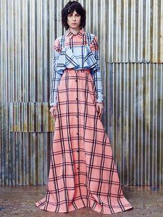 House of Holland Resort 2017 Fashion Show via style.com #thedigitalweaver.com