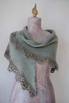 Free and Easy Crochet Shawl Patterns and For Beginners Part 3 ; crochet shawls and wraps; Poncho Au Crochet, Knit Or Crochet, Knitted Shawls, Crochet Scarves, Easy Crochet, Knitting Patterns, Crochet Patterns, Shawl Patterns, Easy Knitting