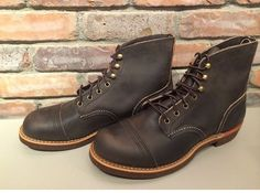 Waiting !! for my New Red Wing 4584 Special Edition with Brass Speedhooks and Brass Eyelets to arrive from Canada :-)