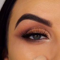 Beautiful eye makeup tutorial by ❤ Eye Makeup Tips, Makeup Goals, Skin Makeup, Eyeshadow Makeup, Eyeliner, Eyeshadows, Beautiful Eye Makeup, Love Makeup, Makeup Inspo