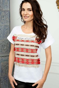 T-shirt with handmade embroidery by Mândră Chic