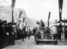 6 lutego 1936 r. Adolf Hitler przybywający na zimowe igrzyska olimpijskie w Garmisch