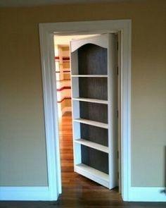 Olha que ideia foda de armário na porta. #inspiração #dagringa