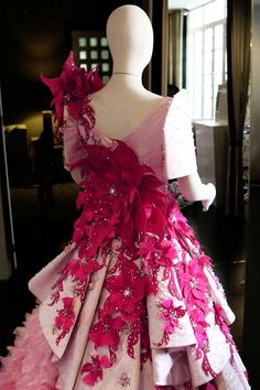 Modern Filipiniana Gown, Pink Fashion, Womens Fashion, Red And Pink, Bridal Gowns, Culture, Mak Tumang, Outfits, Clothes