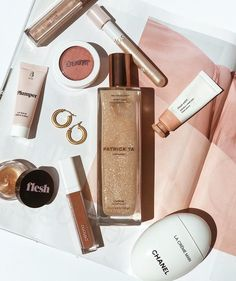 Flatlay Makeup, Flatlay Styling, Best Beauty Tips, Beauty Hacks, Makeup Photography, Product Photography, Yves Saint Laurent, How To Do Makeup, Cosmetic Packaging