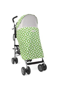 Bo Peep Safari in striking emerald green. A gorgeous and contemporary universal buggy cover to protect a baby from the weather and visual distractions at nap-time.  Bo Peep is the stylish way to protect your baby from insects, harmful UV rays, direct sunlight whilst allowing them to see the world around them.