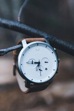 This chrono watch from MVMT boasts a white face & caramel leather strap, and comes with a stainless steel, waterproof case. Look good wherever life takes you. Mvmt Watches, Fossil Watches For Men, Best Watches For Men, Sport Watches, Ladies Watches, Wrist Watches, Watch For Men, Watch Ad, Amazing Watches