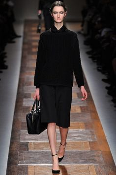 See the complete Valentino Fall 2012 Ready-to-Wear collection.