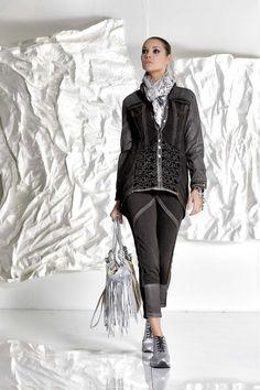 DANIELA DALLAVALLE - #danieladallavalle #collection #fw17 #elisacavaletti #woman #chick #fashion #details #detailsmatter #art #tennis #jeans #scarf #shirt #bracelet #purse #frills