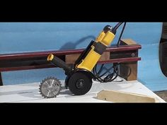 Woodworking Tools For Beginners, Woodworking Workshop, Woodworking Jigs, Garage Tools, Garage Workshop, Homemade Tools, Diy Tools, Perfect Curvy Body, Workbench Vice