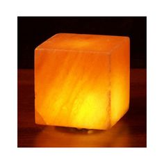 This Himalayan Salt Lamp adds a relaxing glow to any room of your home.This lamp isUSB powered making it an ideal accessory for your desk and office. The LED light allows you to enjoy the warm glow of