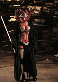 Sith Darth Talon (from Star Wars) Batman Christian Bale, Star Wars Sith, Batman Begins, Le Retour Du Jedi, Female Sith, Images Star Wars, Star Wars Girls, Red Sonja, Best Cosplay