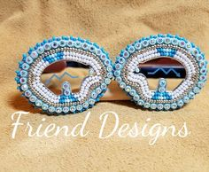 Almost tempted to keep these blue beauties for myself!   #frienddesigns #bear   #mirrors #blues #beadwork   #beadedearrings