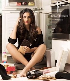 Bollywood Super Star Parineeti Chopra has a leading role in this industry. Most Stunning Pics from Parineeti Chopra Photos Gallery. Indian Bollywood Actress, Bollywood Girls, Beautiful Bollywood Actress, Bollywood Stars, Beautiful Indian Actress, Bollywood Fashion, Indian Actresses, Beautiful Women, Bollywood Cinema