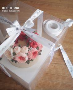 Done by student of Better class (베러 정규클래스/Regular class) www.better-cakes.com . Inquiry : bettercakes@naver.com  #buttercream#cake#베이킹#baking#bettercake#like#버터크림케이크#베러케익#koreanbuttercream#flower#꽃#sweet#플라워케익#foodporn#birthday#wedding#디저트#bettercake#dessert#버터크림플라워케이크#follow#food#koreancake#beautiful#flowerstagram#instacake#공방#꽃스타그램#베이킹클래스#instafood
