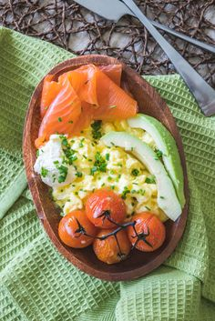 Salmon recipes 683773155907309486 - Smoked Salmon Breakfast Bowl – a gluten-free and low-carb breakfast of champions. Served with roasted vine tomatoes, avocado and creamy scrambled eggs. Source by bankaaurelie Low Carb Breakfast, Breakfast Bowls, Healthy Breakfast Recipes, Brunch Recipes, Healthy Recipes, Breakfast Salad, Breakfast Ideas, Gourmet Breakfast, Sushi Recipes