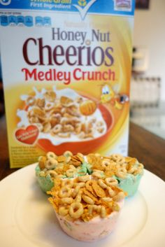 Yogur and Cherrios Honey Nut Cheerios, Cereal, Mexican, Breakfast, Food, Yogurt, Dishes, Morning Coffee, Essen