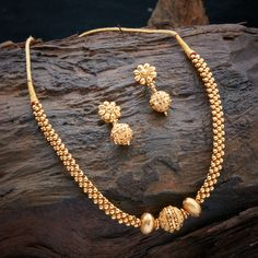 Gold necklace designs - 20 Latest Necklace Inspirations From Kushals Fashion Jewellery – Gold necklace designs Gold Earrings Designs, Gold Jewellery Design, Necklace Designs, Silver Jewellery, Designer Jewelry, Silver Ring, Silver Earrings, Gold Jewelry Simple, Ring Verlobung