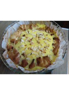 Le bourdin aux pommes est une tarte normande qui se reconnaît à son bord replié. Il existe plusieurs variantes de cette délicieuse spécialité. Nous vous proposons de découvrir une version gourmande de cette recette traditionnelle. par Audrey