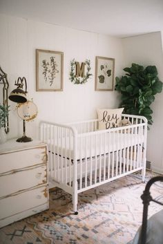 Combined Nursery & Guest Bedroom - Lynzy & Co. - Living - Combined Nursery & Guest Bedroom // A gender neutral nursery that was conveniently set up in the gue - Nursery Room, Girl Nursery, Kids Bedroom, Baby Bedroom, Bedroom Decor, Wall Decor, Nursery Guest Rooms, Bedroom Ideas, Guest Room And Nursery Combo
