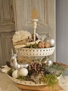 Table Decorations, Christmas, Furniture, Home Decor, Homemade Home Decor, Navidad, Weihnachten, Home Furnishings, Yule