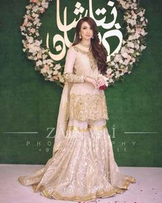 Dress is not only about style and design, but its about reflection person attractiveness. Here, you will see huge Pakistani Engagement Dresses Pakistani Engagement Dresses, Pakistani Wedding Outfits, Pakistani Wedding Dresses, Pakistani Dress Design, Bridal Outfits, Nikkah Dress, Shadi Dresses, Indian Dresses, Eid Dresses