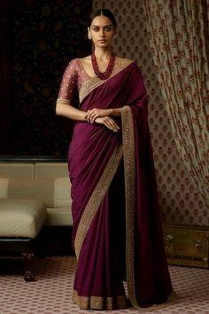 Classic Indian Sari Click Visit link to see Sabyasachi Sarees, Indian Sarees, Lehenga, Silk Sarees, Indian Dresses, Indian Outfits, Dresses Dresses, Long Dresses, Mode Bollywood